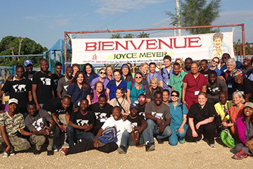 Hand of Hope: Medical and Dental Volunteer Program